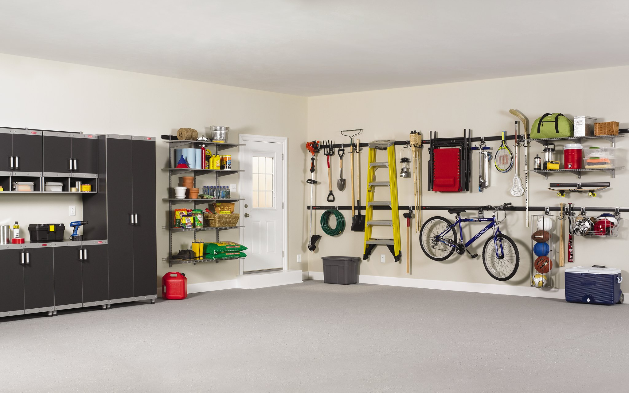 Garage Organization with Rubbermaid Products via flickr